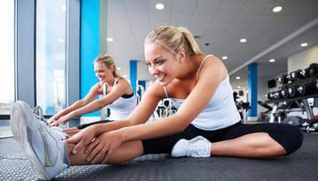 milyen gyakorlatokat kell tenni a karok vékonyítása érdekében